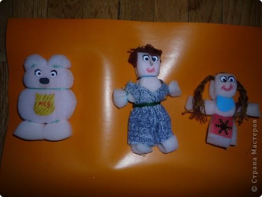Зроблено дуже просто ,це іграшки для дітей із паралону. фото 2