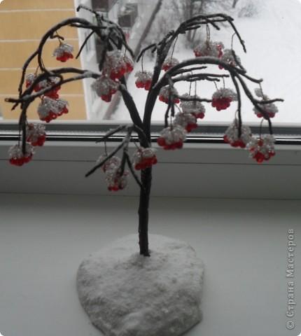 """Рябина в снегу (на просторах интернета - """"калина в снегу""""). Мне давно хотелось сделать такое деревце. Вот, что получилось. Спасибо за идею неизвестному автору. фото 1"""