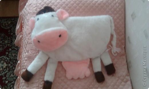 Эта корова может являтся не только подушкой но и красивым украшением комнаты  фото 1