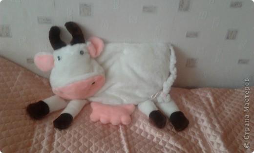 Эта корова может являтся не только подушкой но и красивым украшением комнаты  фото 2