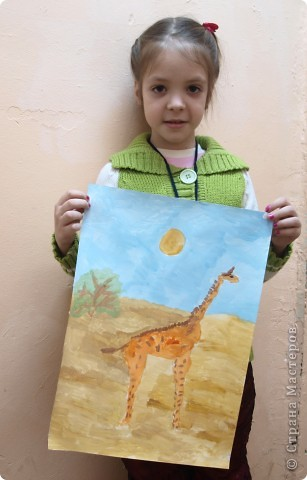 """Работы на тему зимы, Нового года занимали много времени у ребят, а они мечтали... нарисовать жирафа. После работы в студим они поочерёдно спрашивали: """"когда мы жирафа будем рисовать?"""" фото 5"""
