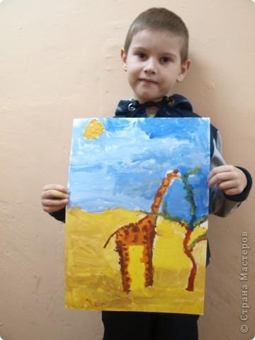 """Работы на тему зимы, Нового года занимали много времени у ребят, а они мечтали... нарисовать жирафа. После работы в студим они поочерёдно спрашивали: """"когда мы жирафа будем рисовать?"""" фото 6"""