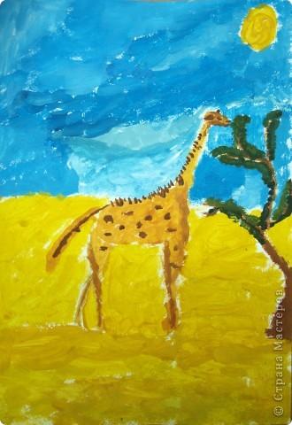 """Работы на тему зимы, Нового года занимали много времени у ребят, а они мечтали... нарисовать жирафа. После работы в студим они поочерёдно спрашивали: """"когда мы жирафа будем рисовать?"""" фото 1"""