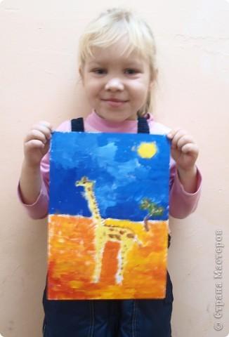 """Работы на тему зимы, Нового года занимали много времени у ребят, а они мечтали... нарисовать жирафа. После работы в студим они поочерёдно спрашивали: """"когда мы жирафа будем рисовать?"""" фото 3"""