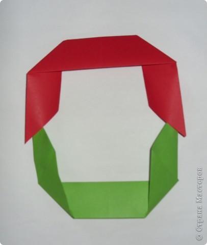 Это кольцеброс по схеме из японской книжки.  Очень удачная модель: кольцо из двух квадратов.  Можно играть на переменке, на домашнем празднике или на природе.  фото 7