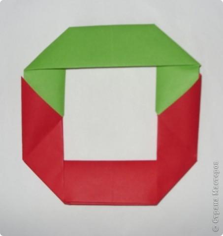 Это кольцеброс по схеме из японской книжки.  Очень удачная модель: кольцо из двух квадратов.  Можно играть на переменке, на домашнем празднике или на природе.  фото 8