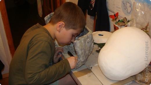 Пещера древнего человека, семейная работа в технике папье-маше. фото 7