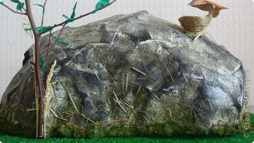 Пещера древнего человека, семейная работа в технике папье-маше. фото 3