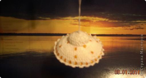Летающая тарелка, которая может стать елочной игрушкой, а может быть... игольницей... фото 5
