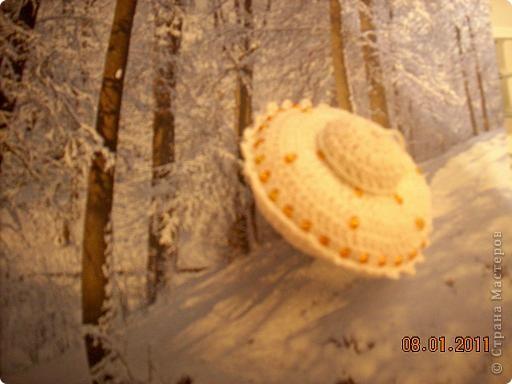 Летающая тарелка, которая может стать елочной игрушкой, а может быть... игольницей... фото 8