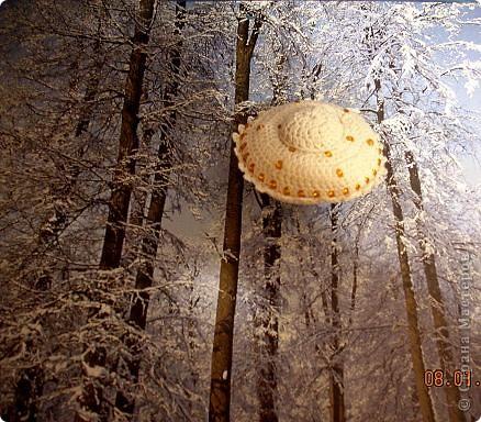 Летающая тарелка, которая может стать елочной игрушкой, а может быть... игольницей... фото 6