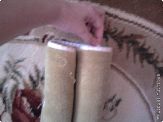 Трудно поверить но это полотенце может превратиться в слонёнка! Как я уже сказала нам понадобится полотенце( желательно однотонное у меня его под рукой не оказалось)  фото 15