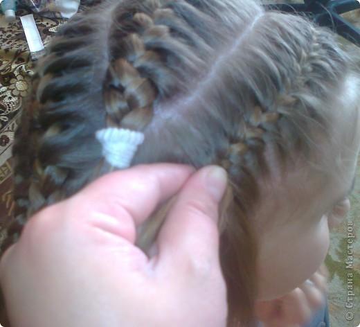 Вот решила попробовать сделать МК. И так... Делим волосы на голове на 5 частей и завязываем резнками, чтобы не мешали. фото 14
