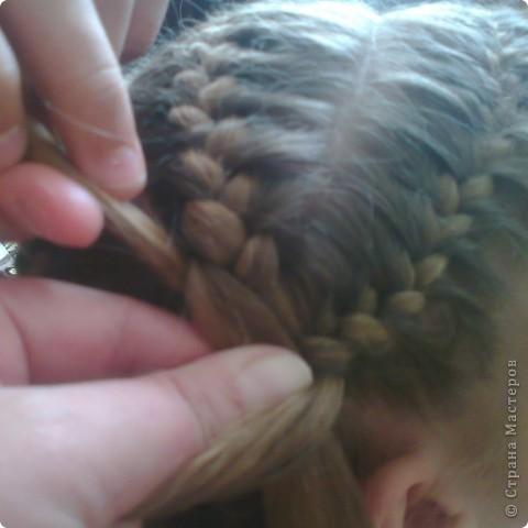Вот решила попробовать сделать МК. И так... Делим волосы на голове на 5 частей и завязываем резнками, чтобы не мешали. фото 16