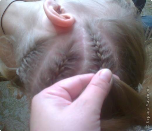 Вот решила попробовать сделать МК. И так... Делим волосы на голове на 5 частей и завязываем резнками, чтобы не мешали. фото 6
