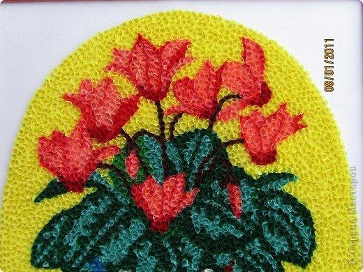 Здравствуйте, уважаемые Мастерицы!!! Сегодня у меня цикламен. Очень люблю этот цветок, дома у меня есть такое растение. Снежная сказка зимы становится не такой грустной когда на подоконнике появляется нежное облако цветов цикламена. фото 7
