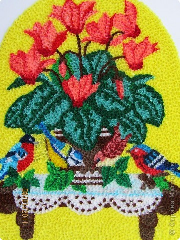 Здравствуйте, уважаемые Мастерицы!!! Сегодня у меня цикламен. Очень люблю этот цветок, дома у меня есть такое растение. Снежная сказка зимы становится не такой грустной когда на подоконнике появляется нежное облако цветов цикламена. фото 2