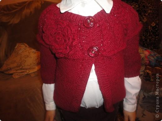 Дочери жакет очень нравится. Правда, пришлось шить еще и рубашечку под него, ну чтобы уж совсем хорошо смотрелся. фото 2