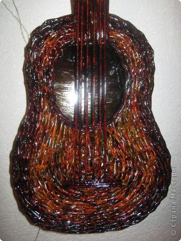 Вот и появилась на свет моя гитара, которая очень долго ждала своей очереди. Размер чуть меньше настоящей. фото 1