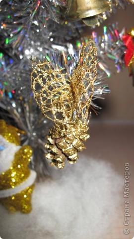 Мои новогодние украшения часов и бра в коридоре. фото 6