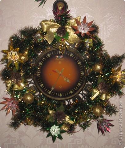 Мои новогодние украшения часов и бра в коридоре. фото 12