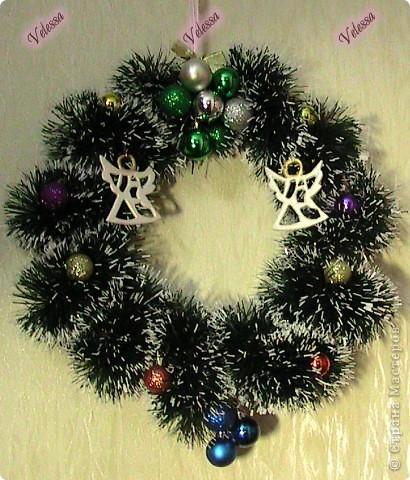 Наконец-то покажу наши Новогодне-Рождественские украшательства.  Это собственно мой Веночек. Основа - настоящая виноградная лоза, заготовленная осенью.  фото 1