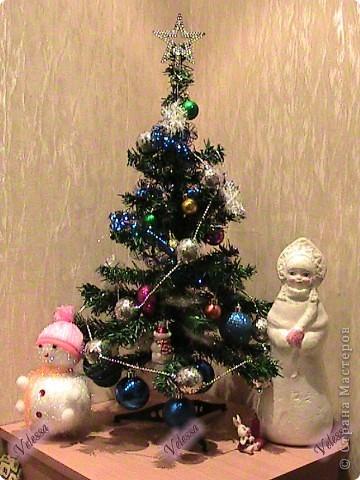Наконец-то покажу наши Новогодне-Рождественские украшательства.  Это собственно мой Веночек. Основа - настоящая виноградная лоза, заготовленная осенью.  фото 3