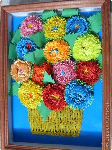 Это мои самые первые цветы, которые я сделала в технике квиллинг. Они мне очень дороги. Да и вообще любая моя работа становится для меня очень родной, ведь я вкладаваю всю себя в свои работы. фото 1