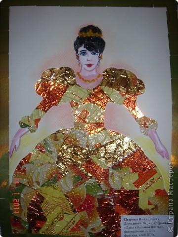 """Вот какую даму мы с дочкой сотворили, используя технику """"Фантиковый дизайн"""". Да, не зря мы слопали тонну шоколадных конфет!))) фото 1"""