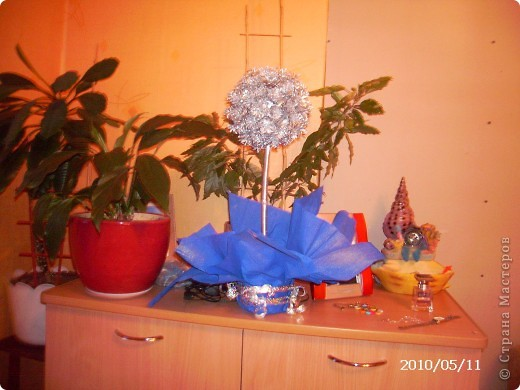 Это деревце было сделано в подарок друзьям. фото 1