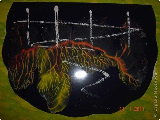 Русалочка стремится к статуэтке принца, которая во время кораблекрушения оказалась в море... Солнце пробивается сквозь толщу воды, кораллы обжигают своими красками... фото 3