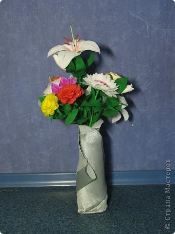 Для создания лилии (три раскрытых цветка и бутон) необходимо нарезать 18 проволочек 0,2-0,3мм по 18 см. каждая фото 35