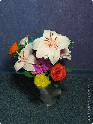 Для создания лилии (три раскрытых цветка и бутон) необходимо нарезать 18 проволочек 0,2-0,3мм по 18 см. каждая фото 34