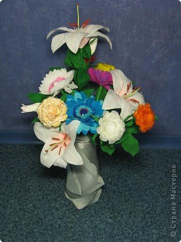 Для создания лилии (три раскрытых цветка и бутон) необходимо нарезать 18 проволочек 0,2-0,3мм по 18 см. каждая фото 36