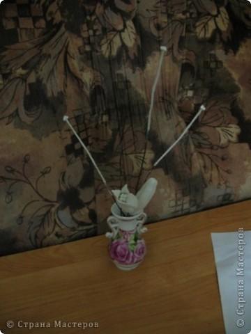Для создания лилии (три раскрытых цветка и бутон) необходимо нарезать 18 проволочек 0,2-0,3мм по 18 см. каждая фото 8