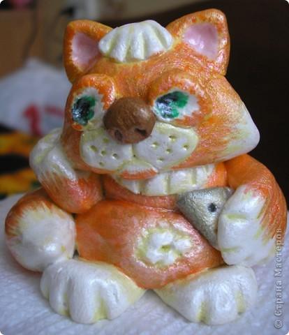 Это задумчивый влюбленный котик.  фото 2