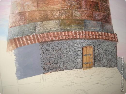 Картину нарисовала моя подруга Наташа у себя на кухне, на стене, это первая её роспись. Рисовалась она в течение года,вечерами после работы.  фото 6