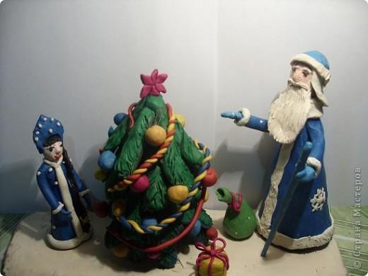 Иногда кажется несправедливым, что в декабре так мало времени на изготовление новогодней композиции. Но зато много времени появляется после праздников, когда тема поделки уже теряет свою актуальность. Работа Лизы (6 лет), естественно с нашей маленькой помощью. фото 1