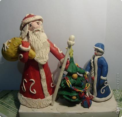 Иногда кажется несправедливым, что в декабре так мало времени на изготовление новогодней композиции. Но зато много времени появляется после праздников, когда тема поделки уже теряет свою актуальность. Работа Лизы (6 лет), естественно с нашей маленькой помощью. фото 2