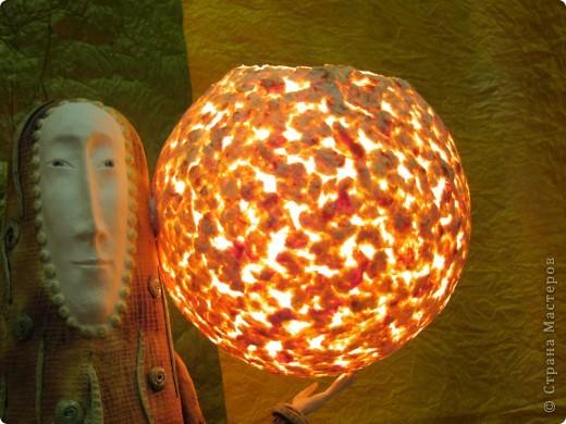 Рукотворный светильник из самодельной бумаги. фото 1