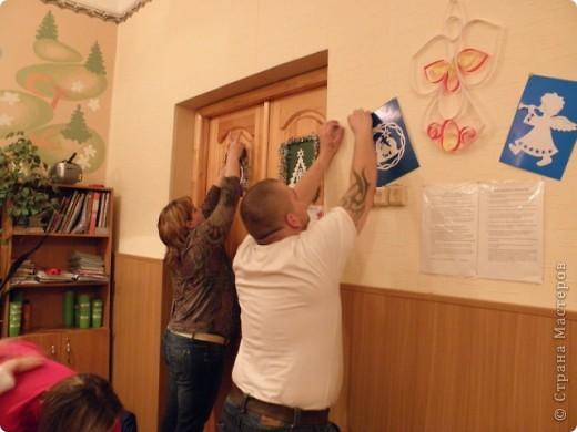 непонятно,кому больше было интересно : детям или взрослым?! по отзывам родителей все получили удовольствие от работы с витражными красками! фото 9