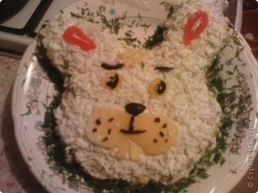 Очень хотелось порадовать ребенка интересным салатом.Состав салата любой. главное сделать форму и украсить. фото 1