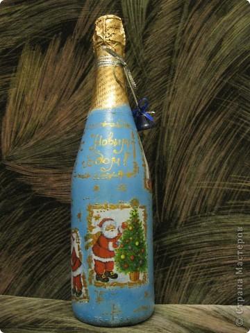 В этом году к новому году по маминой просьбе делала серию праздничных бутылочек - коллегам на работу, преподавателям и т.д. Пару бутылок остались не сфотографированными, к сожалению. Выкладываю, раньше не собралась ((( фото 3