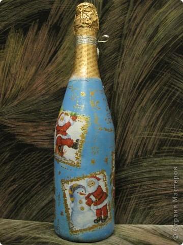 В этом году к новому году по маминой просьбе делала серию праздничных бутылочек - коллегам на работу, преподавателям и т.д. Пару бутылок остались не сфотографированными, к сожалению. Выкладываю, раньше не собралась ((( фото 4