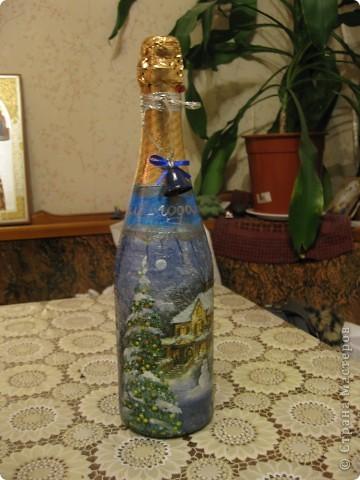 В этом году к новому году по маминой просьбе делала серию праздничных бутылочек - коллегам на работу, преподавателям и т.д. Пару бутылок остались не сфотографированными, к сожалению. Выкладываю, раньше не собралась ((( фото 8