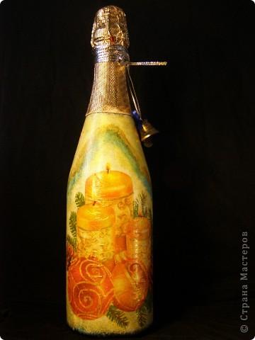 В этом году к новому году по маминой просьбе делала серию праздничных бутылочек - коллегам на работу, преподавателям и т.д. Пару бутылок остались не сфотографированными, к сожалению. Выкладываю, раньше не собралась ((( фото 15