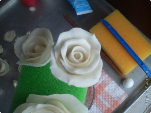 Эта роза из простого фарфора  Лепила вчера , сегодня уже сутки не трескает и становится прозрачный фото 19