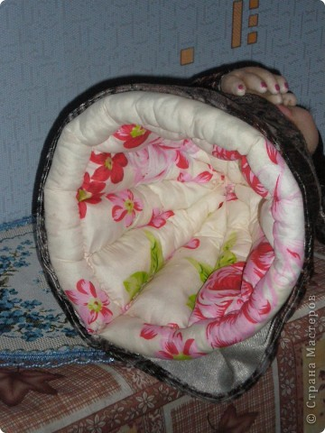 Грелка на чайник стоит самостоятельно за счет юбки! фото 3