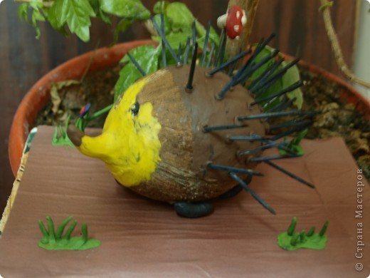 Такой замечательный ёжик получился у Ксении из кокоса. фото 2