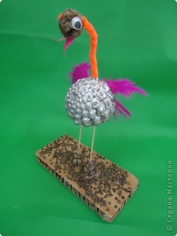 Фламинго.Поделка из шишек. фото 1